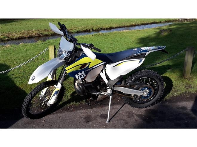 2016 Husqvarna TE300 - 2-stroke, Road Legal Enduro/Green-Lane bike - Image 2