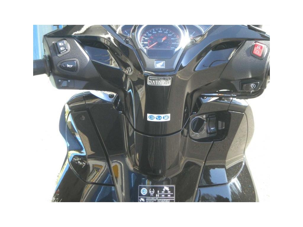 2018 Honda SH300 BLACK - Image 3