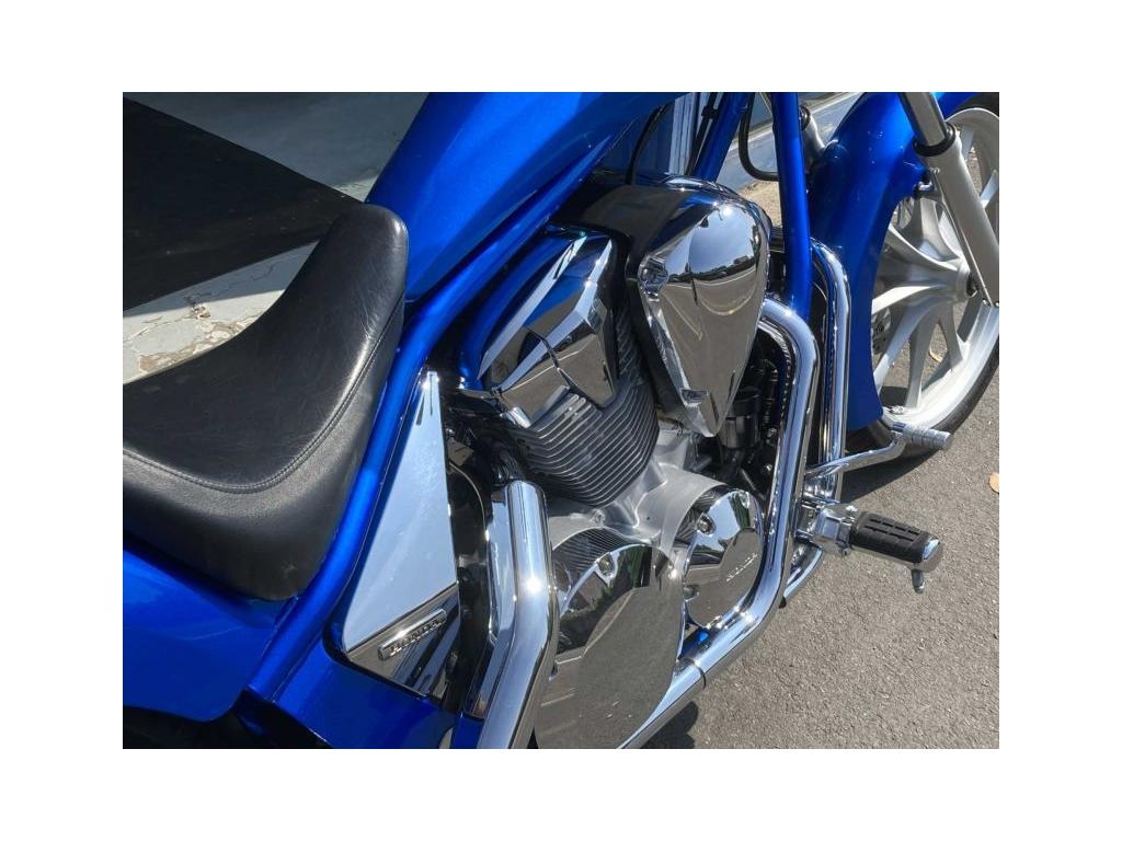 2010 Honda VT1300 CX BLUE - Image 6