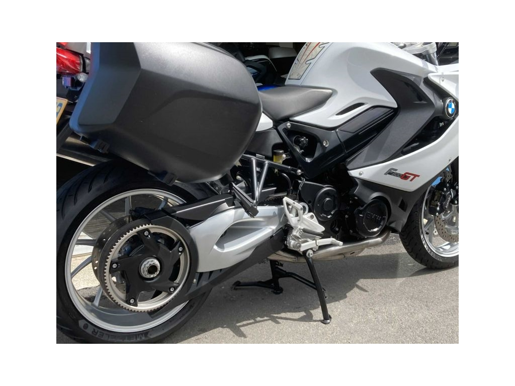 2013 BMW F800GT WHITE (REDUCED TO CLEAR) - Image 2