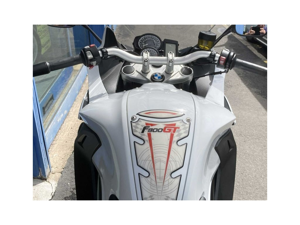 2013 BMW F800GT WHITE (REDUCED TO CLEAR) - Image 3