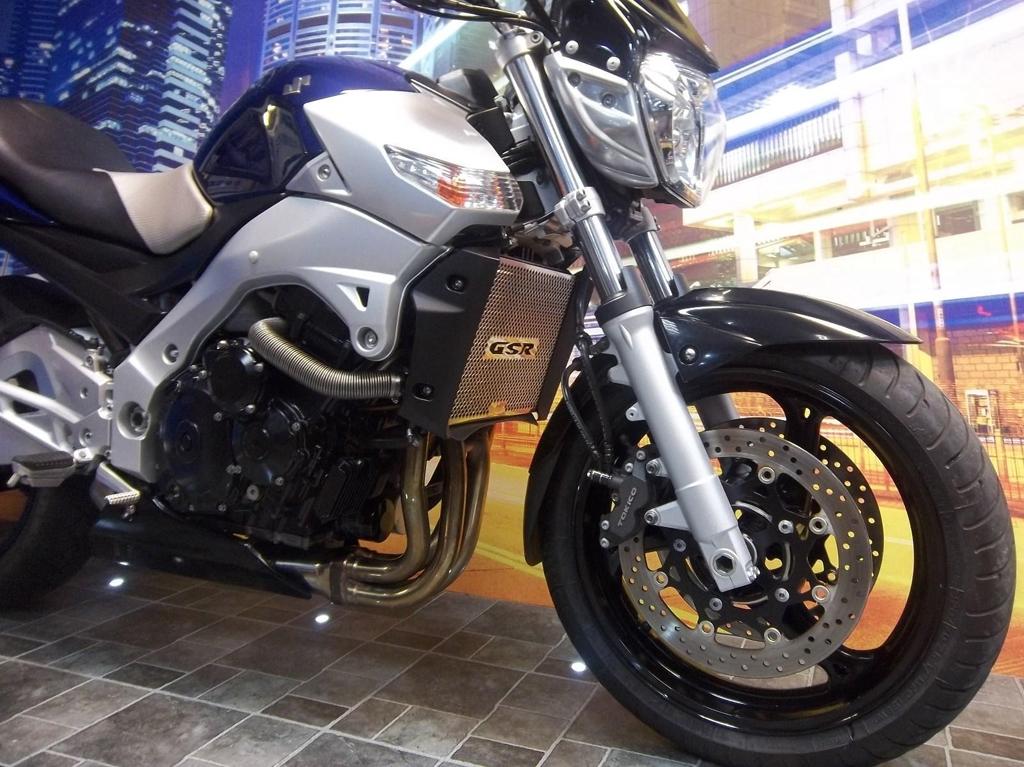 Suzuki GSR 600 K6 Sports Naked  - Image 3