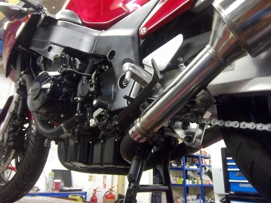 Honda CBR1100 XX-W Super Blackbird Tourer - Image 7