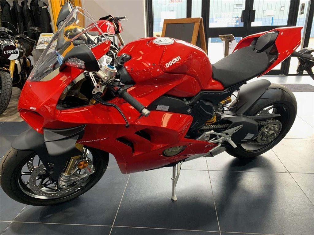 2019 Ducati Panigale V4S 1100 S ABS - Image 2